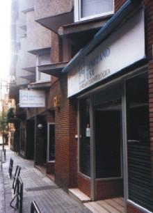El equipo del español visita la clínica odontológica DENTZANO USA