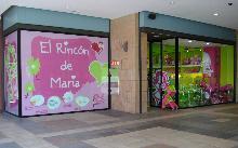 Mr. Universo apadrina la nueva tienda de El Rincón de María en Orense