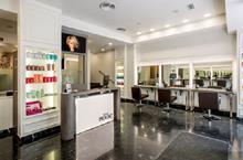 Salones glamourosos en franquicia firmados por Franck Provost