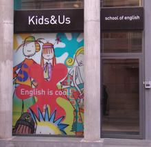 La franquicia Kids & Us School of English supera los 4.500 clientes