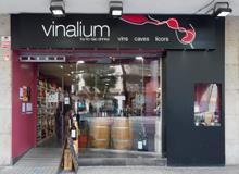 La franquicia Vinalium inaugura tres nuevas tiendas